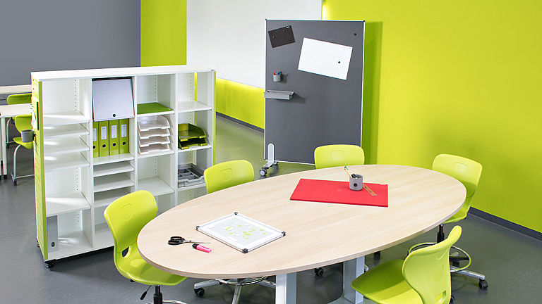 Image: Ergonomic & height adjustable the HV team table