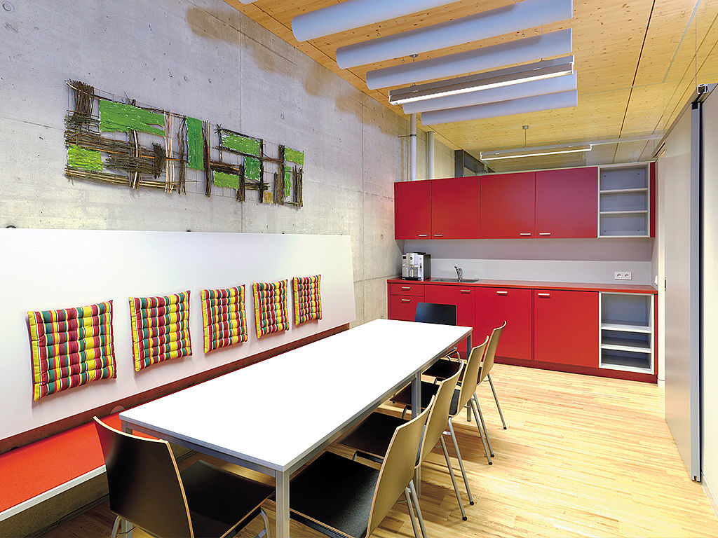 Image: Learning kitchen with dining area