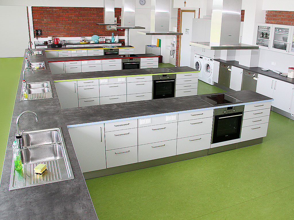 Image: Learning kitchen with learning islands