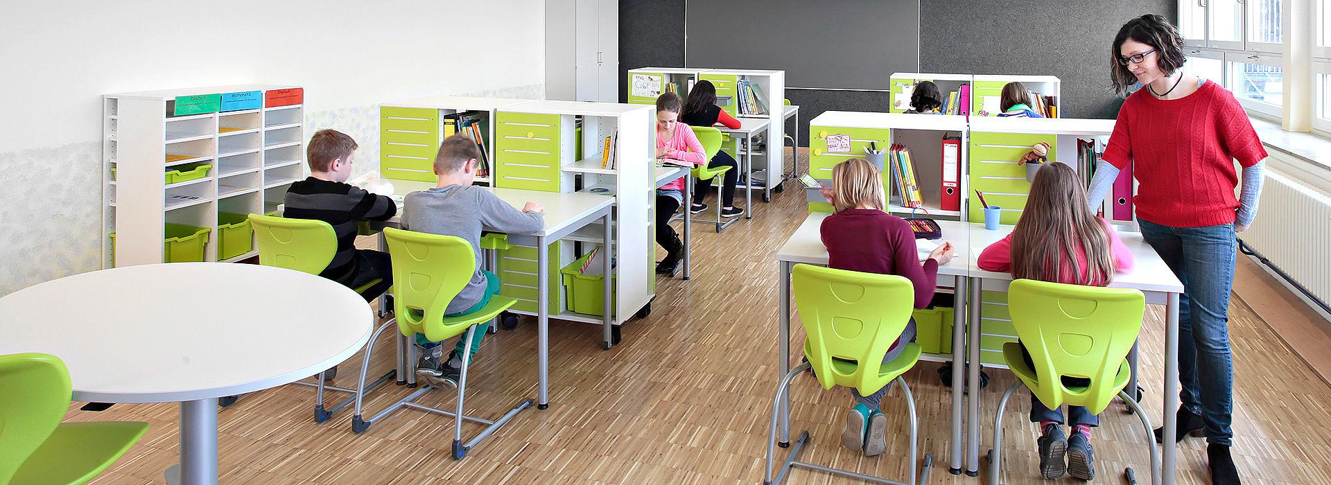 salle de classe flexible - travail en tandem