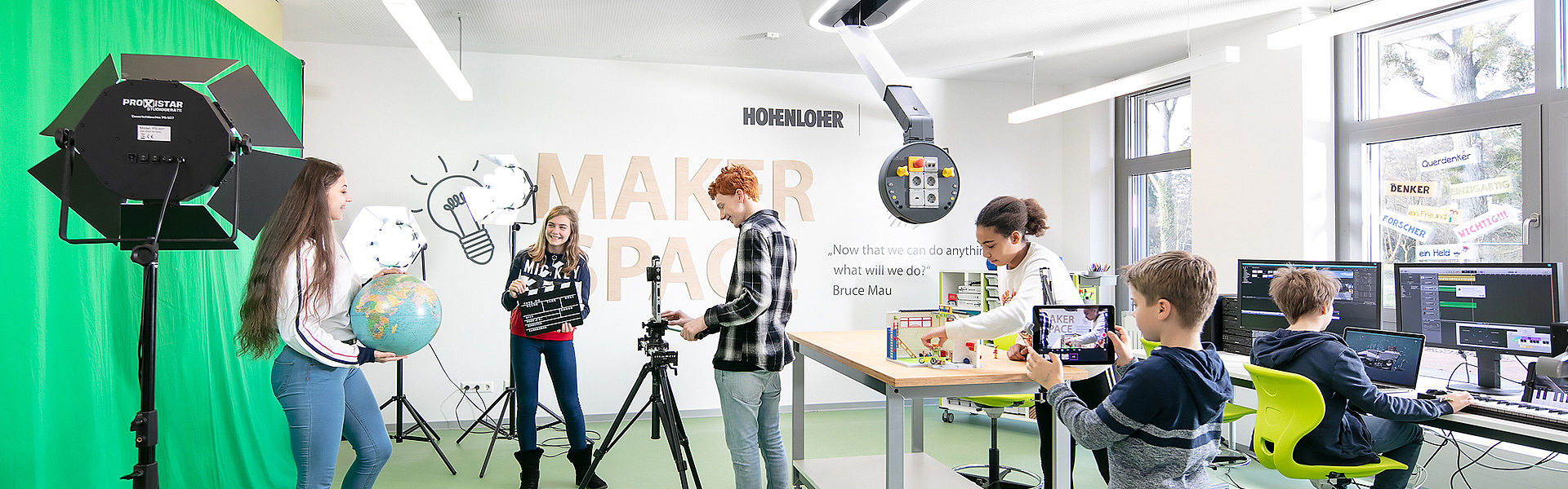 Pupils in a Makerspace